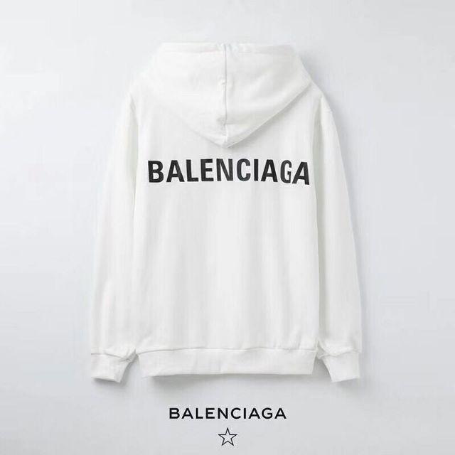 偽物のバレンシアガパーカー
